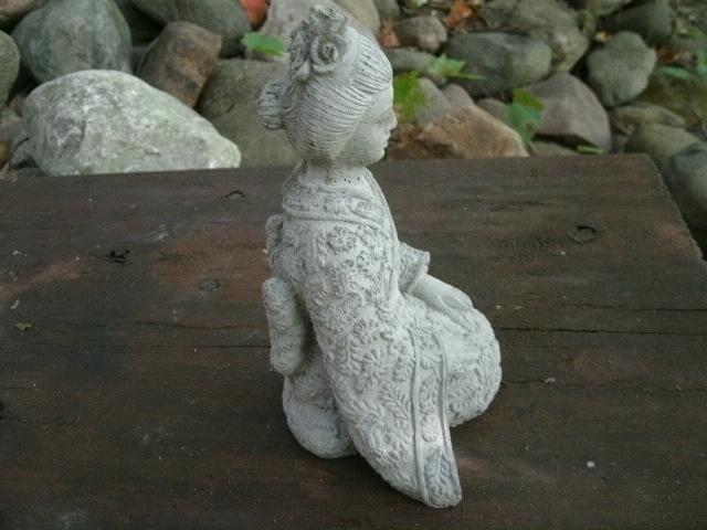 geisha lawn ornament - resin