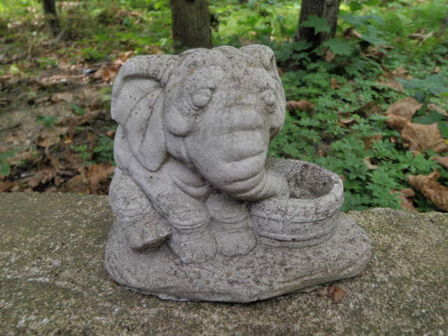 Vintage Cement 4 Tall Elephant Drinking Garden Art Statue Weathered Concrete Ebay