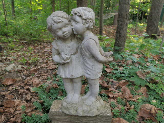 Vintage Cement 19034 Kissing Boy amp Girl Couple Garden