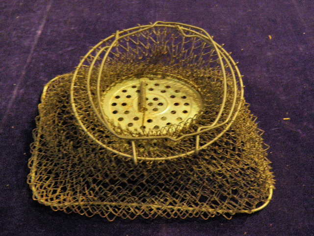 Vintage inox oval shaped collapsible wire mesh fish basket